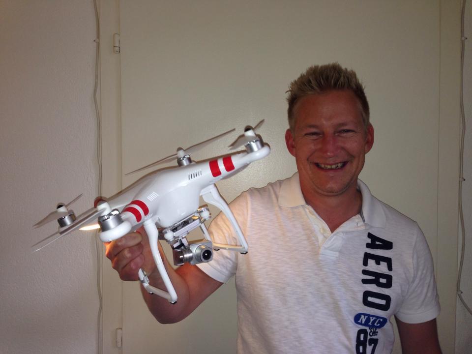 trenderia gmbh - Geschäftsführer Patrick Kobel mit der brandneuen DJI Phantom 2 Vision Plus