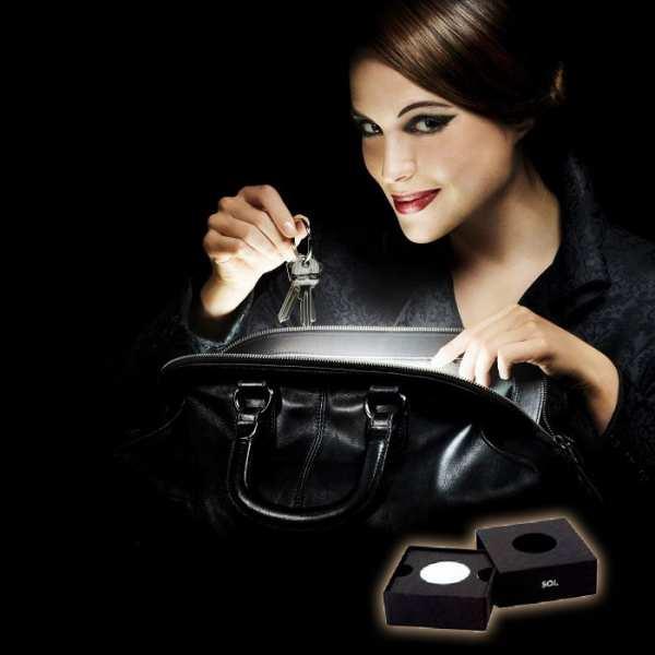SOI. Das erste automatische Handtaschenlicht der Welt.