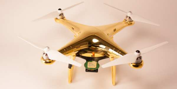 DJI Phantom 2: Dubai Edition in 24k Echtgold!