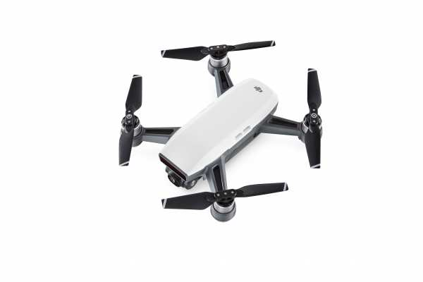 DJI Spark Fly More Combo in weiss